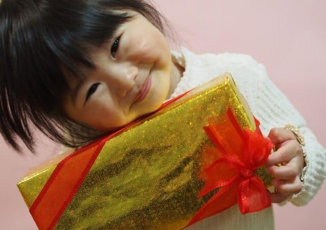 還暦祝いに貰って嬉しい孫からのプレゼント