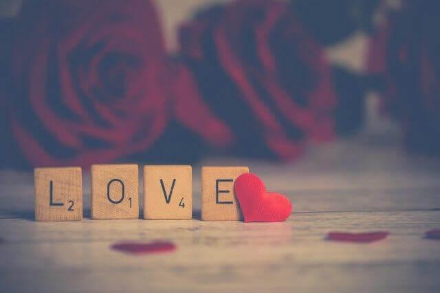 LOVEと赤いハート