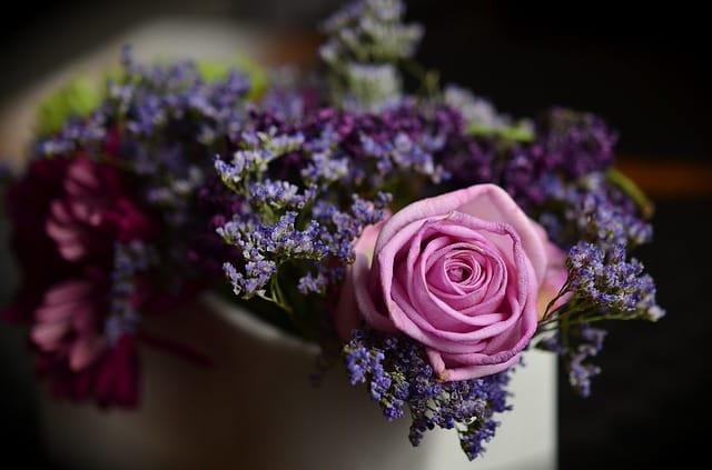 77歳のお祝いのプレゼントにおすすめの花束