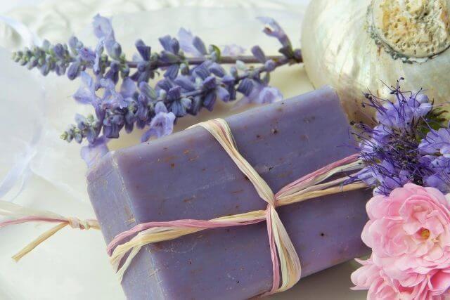 紫の花のラッピング