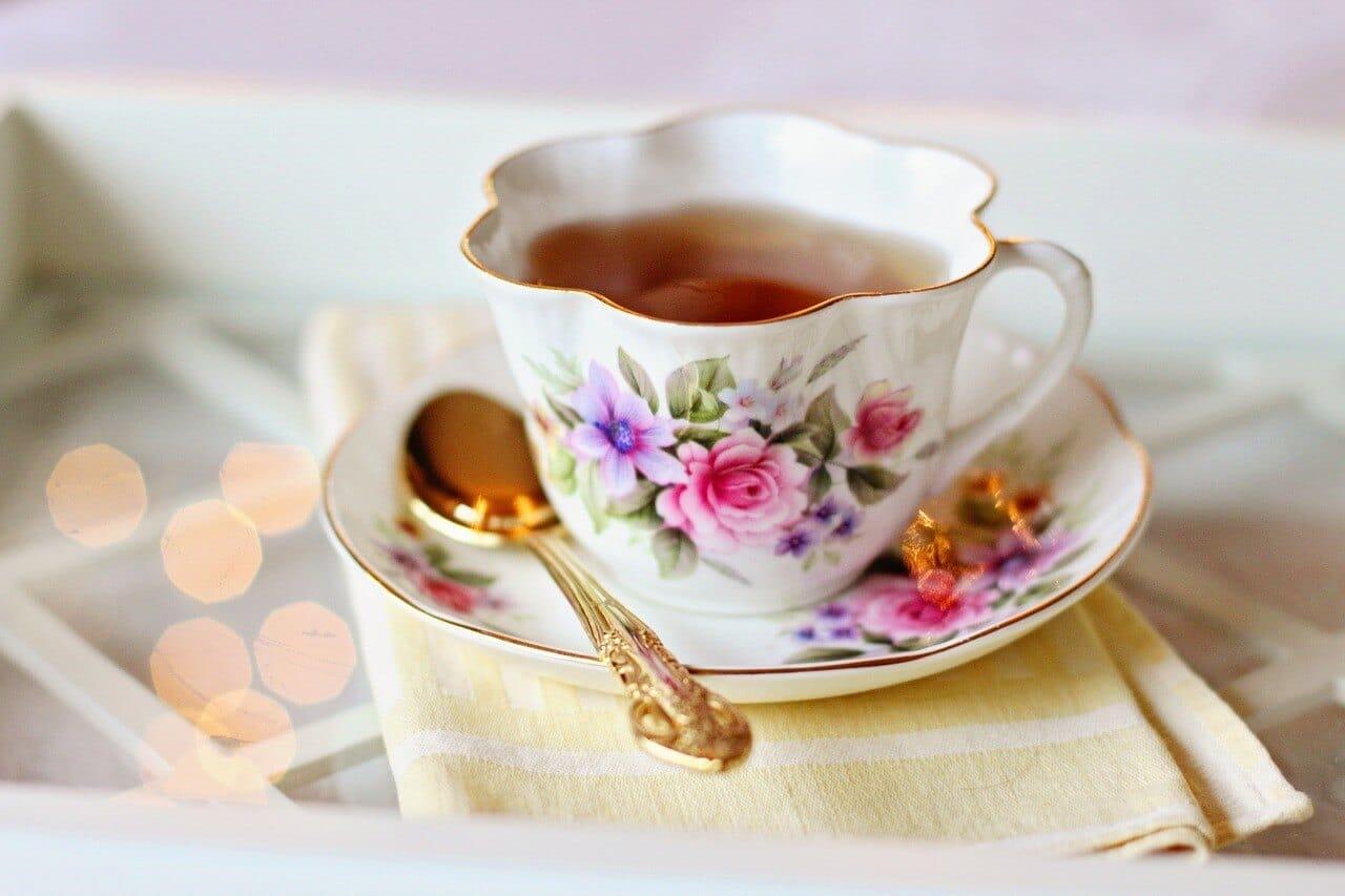 紅茶とティーカップ