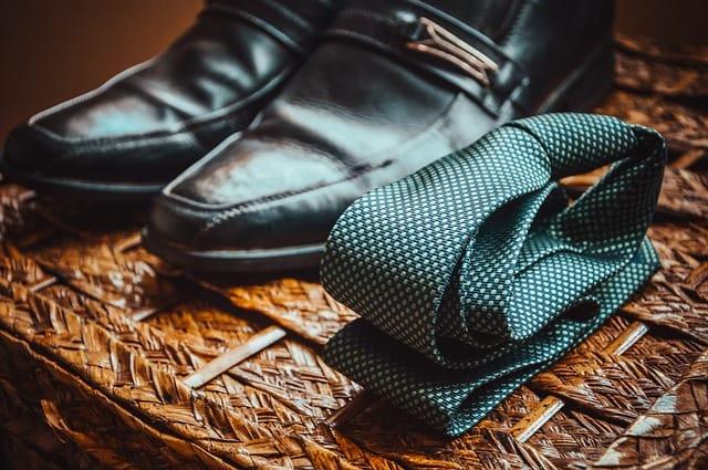 靴とネクタイ