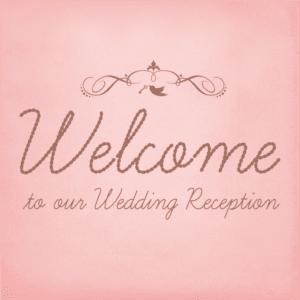 結婚式には、入り口付近でゲストを明るく出迎えると同時に案内の役割を持つウェルカムボードを置く方も多いのでは?