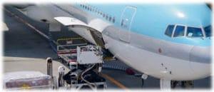 Transporter des bagages dans un avion