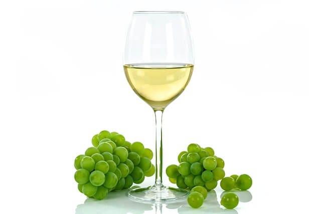 白ワインと白ぶどう