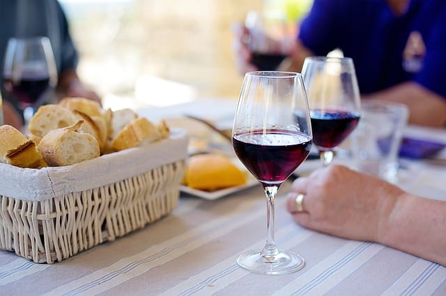 Knowledge of wine glasses that you want to know