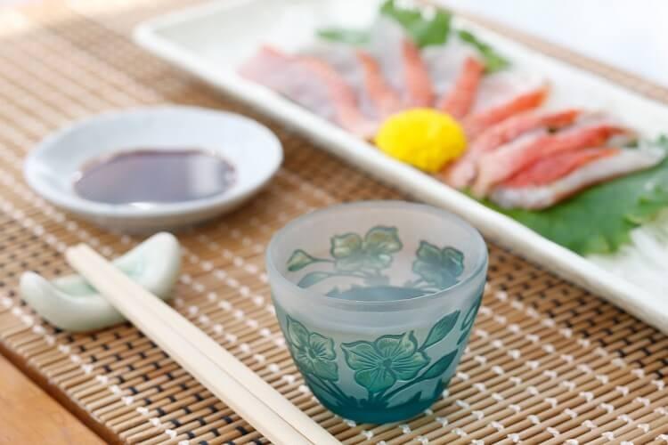 Σάκε και σασίμι