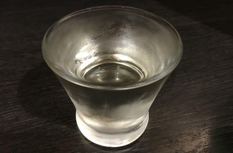 グラスに入った冷酒 日本酒