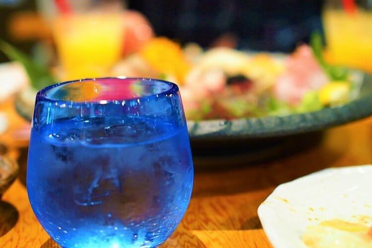 Αλκοόλ και σνακ