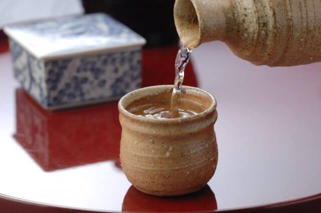 日本酒ができるのは微生物のおかげ