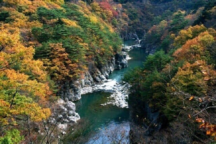 Πηγή νερού (κοιλάδα) στην περιοχή Kanto